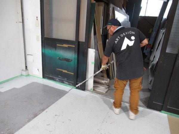 第一工場の床の塗装まで頑張ります…!